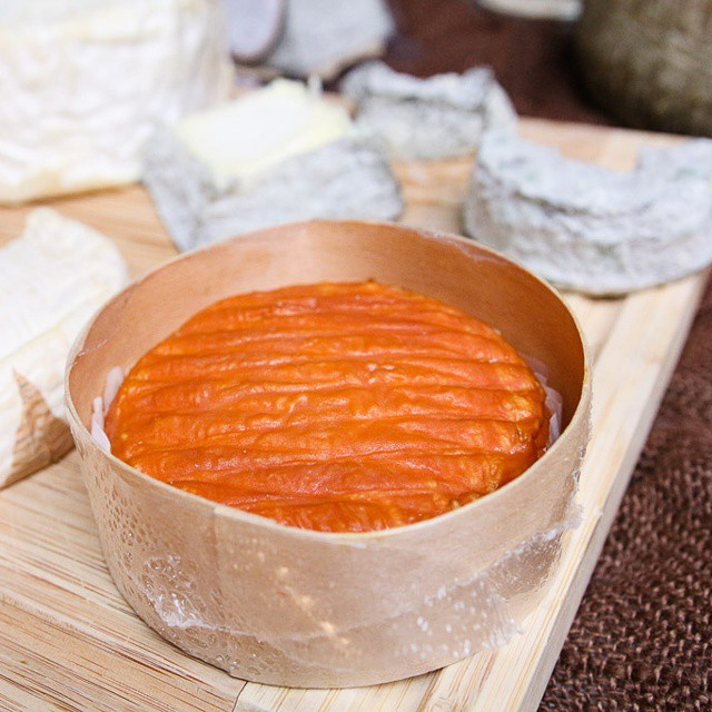 Because my colleague mentioned again that #epoisses is good favorite #cheese! #washedrind #french