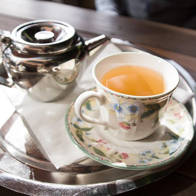 #teatime at #cafeleila #berkeley with @culturecheese! #foodwithfriends #sunlight #pretty #latergram