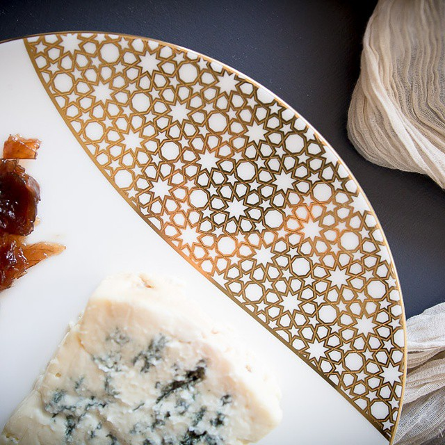 Today #ontheblog, #beautiful #cheese and a beautiful setting. At #misscheesemonger.com. #merdingershouseofdesign #tableware #cheeseplate #cheesepairing #foodblogger #foodblog #canonphotography #foodphotos #foodphotography #goldeverywhere #forthetable