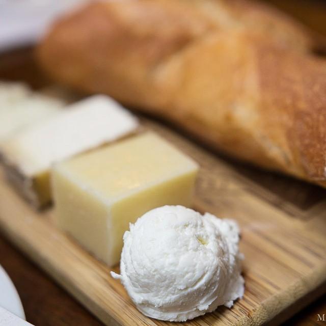Enjoyed a lovely #cheeseplate at #sf #ferrybuilding yesterday! #chevre #pecorinoromano #fleurdemaquis #shootiforgotthelastcheese #foodblog #foodblogger #foodpics #foodphotography #foodwithfriends #latergram #misscheesemonger