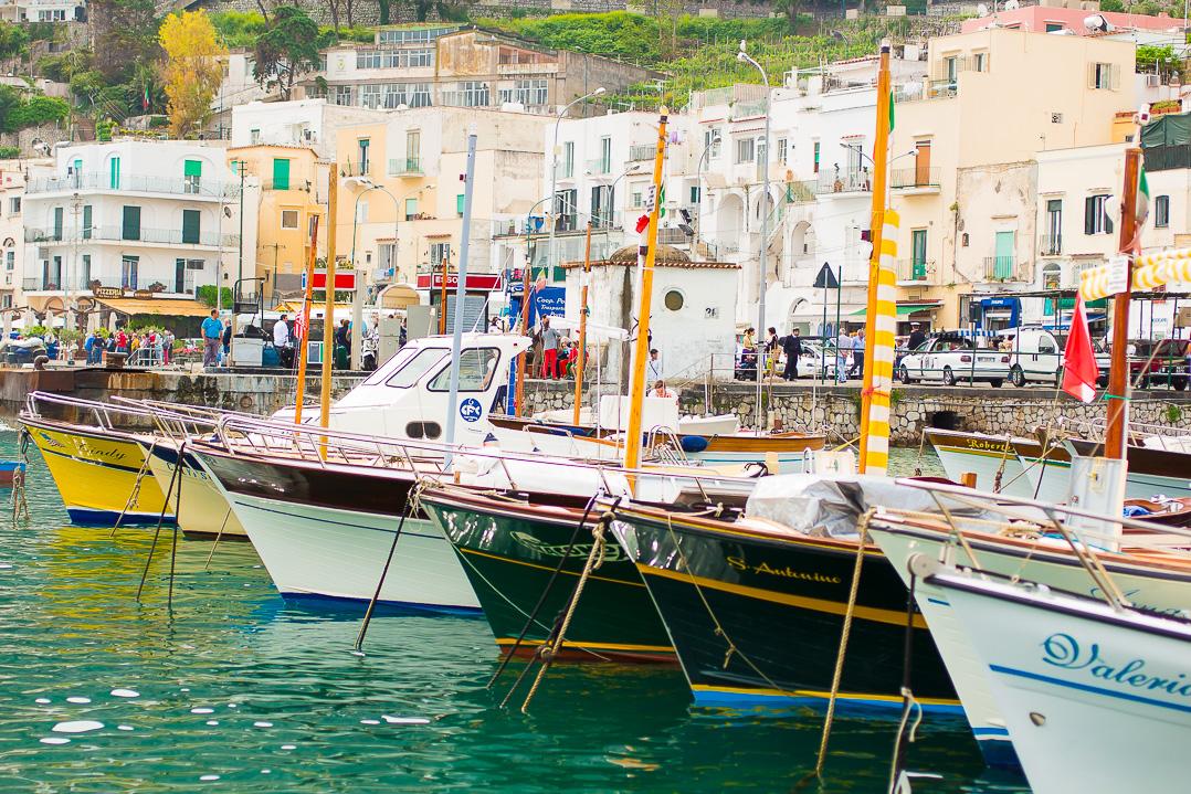 So many boats in the Marina Grande.