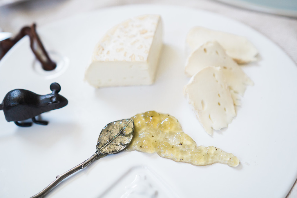 Camembert di bufala with l'Epicurien thyme jelly. Cheese and condiment tasting on misscheesemonger.com.
