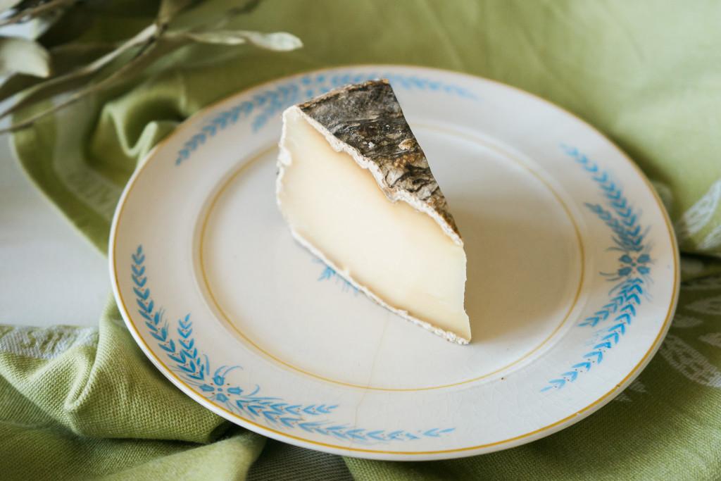 Tomme de Savoie cheese tasting on misscheesemonger.com.