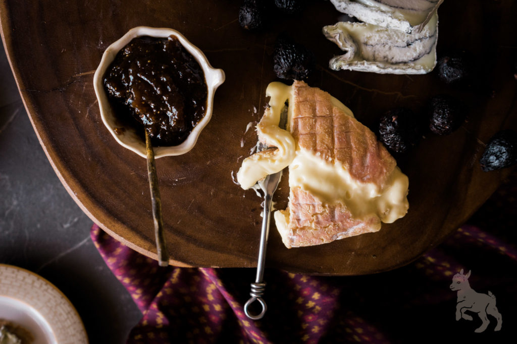 Oma with port wine fig spread. Sophisticated, yet comforting! An American cheese and fig blogger party! By Vero Kherian for misscheesemonger.com.