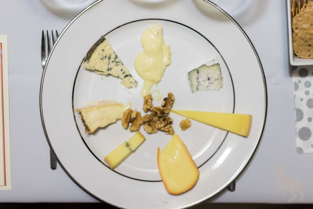 A Cheese and Wine Pairing To Send Off 2016. By Vero Kherian for misshceesemonger.com.